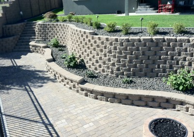 proj-21a_musser-landscaping-retaining-wall-fire-pit-sod-plantings